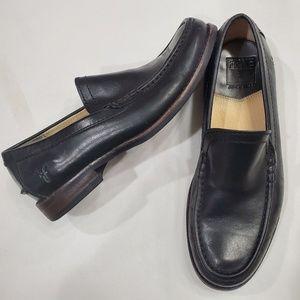 EUC FRYE black Greg Venetian loafers